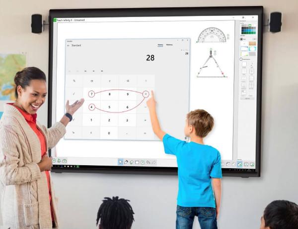 pizarras digitales en centros educativos